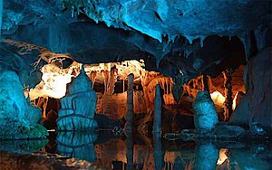 Cheddar Caves - Photo CC Johnny Beckett